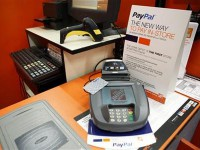 PayPal выходит в оффлайн