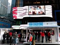 Google разместит ваши фото на Таймс-Сквер в центре Нью-Йорка