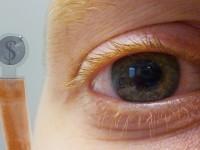 LCD-дисплей интегрировали в контактную линзу