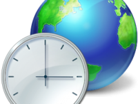 По какому времени живёт Интернет?