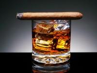 Шотландцы предлагают заливать в бензобаки виски