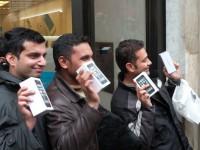 Американец вербовал бездомных для покупки iPhone 5S