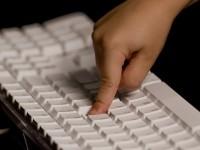 Смартфон определит нажатые клавиши по вибрации поверхности