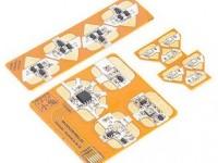 Электронные наклейки могут украсить одежду или открытки