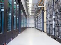 В Intel уверены, что на каждые 400 смартфонов нужен один сервер