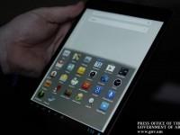 Армения представила национальные планшет и смартфон