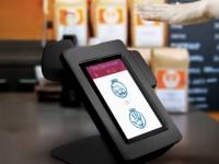 """Новая система """"узнаёт"""" пользователя для оплаты покупок по узору вен"""