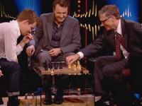 Билл Гейтс за одну минуту проиграл партию в шахматы вундеркинду из Норвегии
