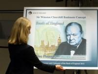 Британское казначейство запустит печать фунтов стерлингов на пластике