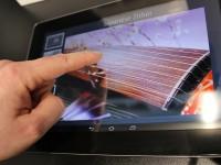 Fujitsu разработала экран для планшета, передающий структуру материала на картинке