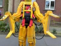 Заботливый отец создал экзоскелет для ребёнка по мотивам фильма «Чужие»