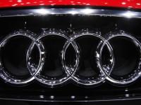 Система Audi Online поможет проехать на зелёный сигнал и сэкономить топливо