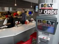 В американских заведениях планшеты вытесняют официантов