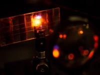 В Сингапуре начнут выпускать дисплеи, которые подзаряжают электронику