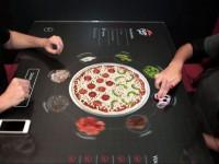 Пиццерия установила сенсорные столы для интерактивного заказа блюд