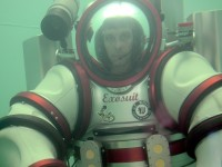 Канада создала экзоскелет-субмарину для погружений на глубину более 300 м