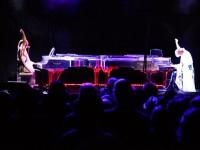 Японский пианист сыграл в 4 руки со своей голограммой