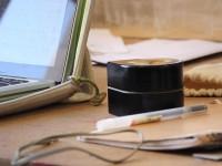 Робот-принтер сам двигается по листу бумаги и помещается в карман