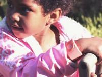 Шведы собирают деньги на телефон-браслет для детей с GPS-приёмником