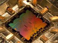 Квантовый компьютер D-Wave 2 оказался не мощнее обычного