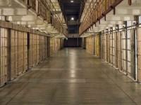 Британские власти подумывают предоставить Интернет заключённым