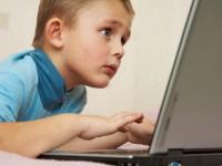 «Лаборатория Касперского» выяснила, что дети ищут в Сети оружие и «клубничку»