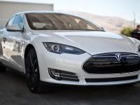 Китайские хакеры взломали систему электромобиля Tesla Model S