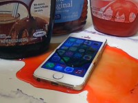 Новый спрей делает любой телефон водонепроницаемым