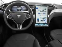 Электромобили Tesla будут заводиться смартфоном