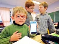 Министерство образования Украины разрешило школьникам телефоны