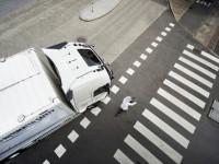 Новая технология от Volvo будет следить за пешеходами и велосипедистами