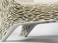 Распечатанные на 3D-принтере кресла принимают форму тела человека