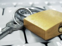 Google внедрила аутентификацию через физический ключ