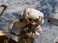 NASA нашла подрядчиков на добычу в космосе полезных ископаемых