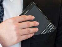BlackBerry меняет б/у iPhone на свой Passport с доплатой