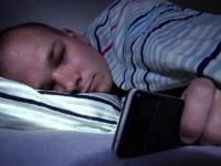 Исследователи доказали, что мобильная электроника ухудшает сон