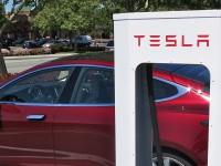 Tesla Motors запускает сервис замены разряженных аккумуляторов, вместо подзарядки