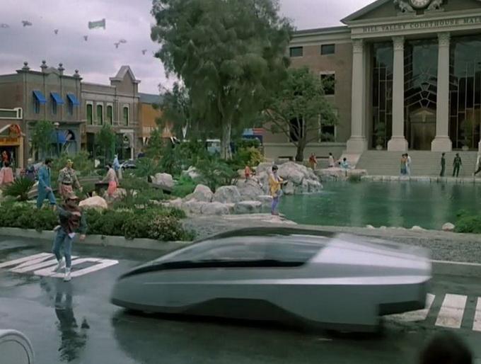 """На улицах Хилл-Вэлли """"будущего"""" можно увидеть машины очень необычного вида"""