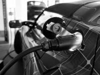 Tesla Motors разрабатывает автоматическую зарядную систему для электромобилей