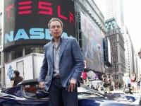 Tesla и Apple сошлись в битве за сотрудников
