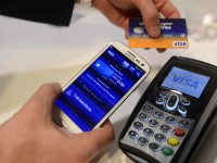 Visa привяжет банковские карты к смартфонам для повышения безопасности