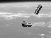 Двигатели на льду позволят менять траекторию движения микроспутников на орбите