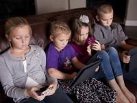 Как защитить зрение и слух детей от чрезмерного воздействия электроники