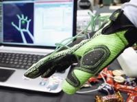 Перчатка Hands Omni позволяет виртуально «щупать» внутриигровые предметы