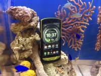Kyocera выпускает первый в мире смартфон со специальной защитой для подводной съёмки