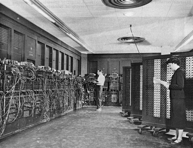 ENIAC использовалась для расчётов таблиц стрельбы и при разработки термоядерного оружия