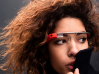 Украинцам разрешили ввозить и использовать Google Glass и «шпионские» видеокамеры для слежения