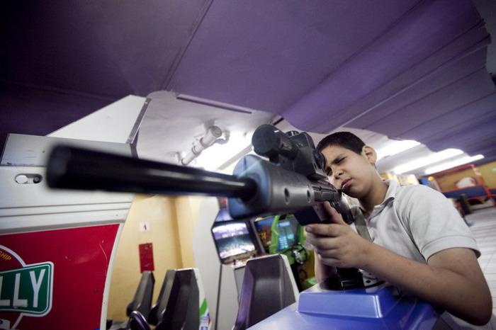 Зброя в музеї виключно іграшкова