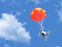 «Умный» парашют для беспилотника застрахует его от удара при падении