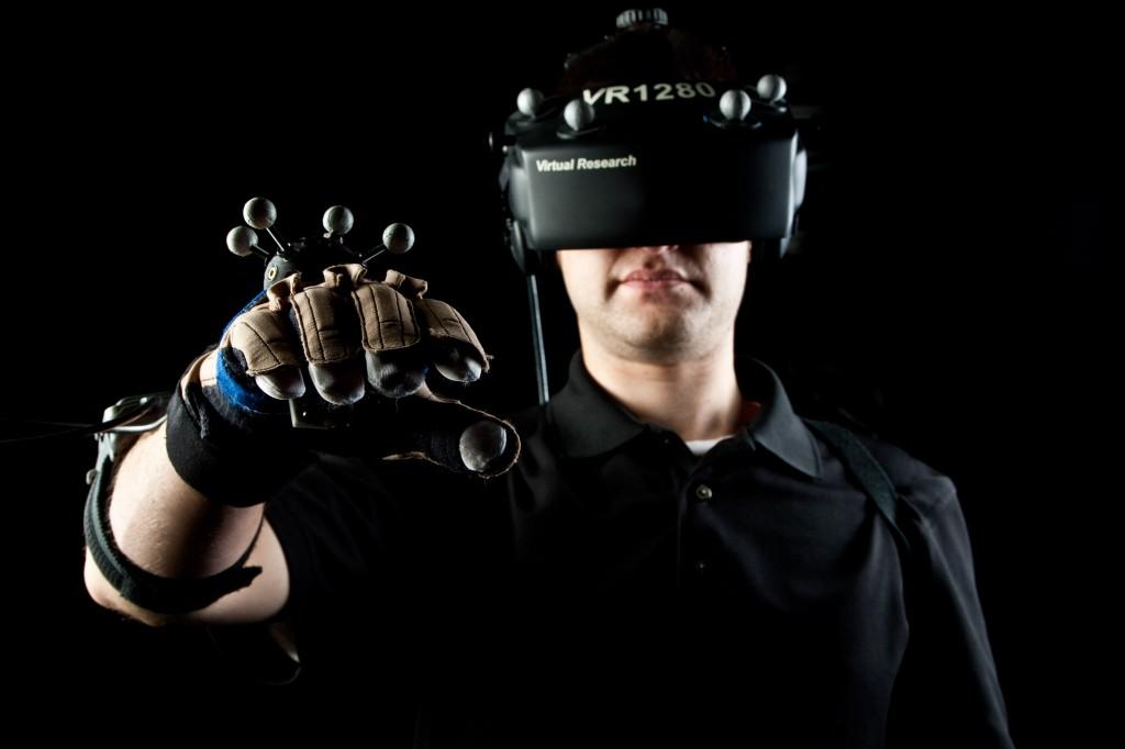 virtualrealitygloveheadset2